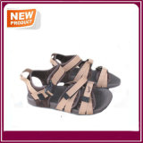 La nueva sandalia de la playa de la correa del acoplamiento calza al por mayor