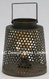 型の装飾的な円形の電流を通された金属のキャンプのランタンW/LEDの電球