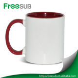 I regali promozionali comerciano lo spazio in bianco all'ingrosso di ceramica interno della tazza di sublimazione di colore rosso