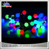 Luzes feericamente da corda do Natal novo do diodo emissor de luz do projeto com a esfera decorativa