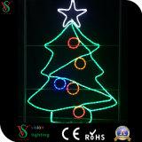 Su uso en exteriores de la luz de la decoración del árbol de Navidad