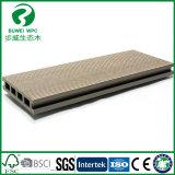 China Pas Cher WPC les revêtements de sol sur la vente de l'usine