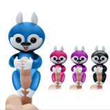 La ardilla del dedo juega los juguetes interactivos del animal de animal doméstico del dedo del bebé animal del bebé
