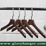 Cabide de madeira de luxo para mulheres com o entalhe para exibir