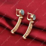 La pietra della maglia placcata oro Handmade ciondola l'orecchino per le ragazze