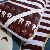スリップ防止マットレスパッドを満たす完全な女王のクッションの上の安いポリエステル