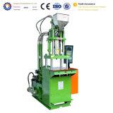 Hohe Genauigkeit Ein-Farbe vertikaler Plastikstecker-Einspritzung-Maschinen-Preis