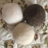 Шарики войлока Eco естественного моющего машинаы шариков сушильщика прачечного войлока шерстей белых овец сухие