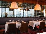 優雅なデザインホテルの食堂テーブルおよび椅子セット
