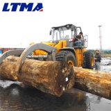 로그 로더가 안내하는 통제에 의하여 8 톤 10 톤 15 톤 25 톤 나무 격투한다