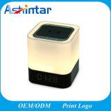 Bluetooth inalámbrico portátil de MP3 estéreo de 2 canales de luz LED Mini altavoz manos libres de soporte