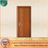 Desheng entramado de último diseño de la puerta de habitación en el interior de madera