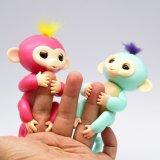 Stuk speelgoed van Kerstmis van het Stuk speelgoed van de Aap van de Vinger van de Pret van de Gift van de Baby van de manier het In het groot