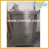 2018 pequeña capacidad Semi-Auto paletas de hielo que hace la máquina utilizada con fines comerciales.