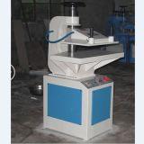 Funcionamiento manual haciendo clic en la prensa de corte de cuero