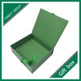 Steifer kundenspezifischer magnetischer Geschenk-Kasten mit Schaumgummi-Einlage