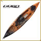 中国最も新しいRotomoldedプラスチック釣カヤックのカヌーのボートは上のカヤックで置かれる