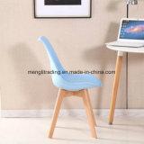 La pierna de madera de haya silla de plástico
