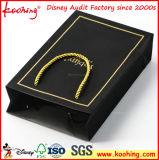 Fabrik-kundenspezifisches Luxuxanschluß Soem-schwarzes Geschenk-Papierbeutel mit Silk Farbband-Griff für Frau