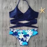 Halter Sexy impressos os tirantes de Três Pontas Lace Split Swimsuit mulheres Bikini
