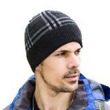 メンズ二重層は点検した帽子のスキーの暖かい冬によって編まれたスケートで滑る帽子の帽子(HW408)を