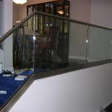 Het Traliewerk van het Glas van Frameless van de Trede van het Roestvrij staal van het Winkelcomplex van de veiligheid