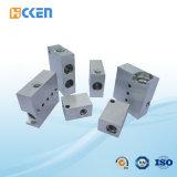 Kundenspezifischer hohe Präzisions-Quadrat CNC, der verlegte Messingteile maschinell bearbeitet