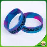 Braccialetto personalizzato del silicone riempito colore di marchio di Debossed