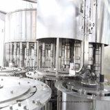 Completar 3-en-1 de la máquina de llenado de embotellado de agua mineral.