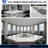 Demi modèle de luxe moderne de marbre artificiel rond rouge multifonctionnel de table de réunion de bureau de conception de Corian de premier