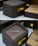 Rectángulo de empaquetado de la joyería de cuero falsa plástica redonda del regalo del color del chocolate