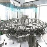 Fregado de las botellas del jugo que llena capsulando 3 en 1 maquinaria de relleno