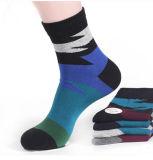China-Socken-Fabrik-Baumwollsport-kundenspezifische Zeichen-Kleid-Mann-Socken