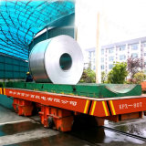 Carrello piano industriale sulla guida curva per l'officina siderurgica