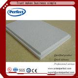 Plafond minéral acoustique tégulaire de fibre avec la bonne qualité