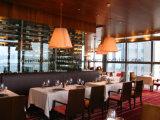 Design elegante sala de jantar mesa e cadeira definido