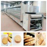Linha de produção dura dos biscoitos com o forno de túnel do gás