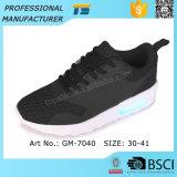 男の子のための新しいLEDのLace-upスニーカーの靴