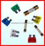 Mini sostenedor del fusible de la lámina del coche con los terminales de componente de alambre