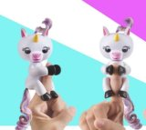 Unicornio interactivo elegante y divertido común del dedo