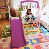 Скольжение малыша игрушек младенца оборудования игры малышей крытое