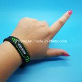 Wristband programable del silicón de ISO18092 NTAG213 NFC para los centros turísticos del hotel