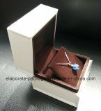 Fashionalcustom Paquete de joyas de madera Caja de regalo en color blanco
