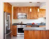 Unidade luxuosa moderna da cozinha da madeira contínua
