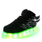 Altos superiores encienden para arriba los zapatos que brillan intensamente de las zapatillas de deporte para la venta