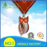 供給のカスタム罰金の方法フクロウの形の金属メダル
