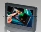 """7"""" Mini USB con alimentación del monitor, Un solo cable lo hace todo!"""