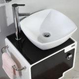 Gesundheitliche Ware-hölzernes Lack-Badezimmer-Eitelkeits-Gerät mit Wäsche-Bassin