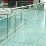外部のFramelssのガラスバルコニー台地のデッキの柵/ガラスポスト/ガラスBaluster