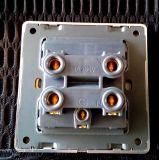 Il nero di standard britannico Dorato-Ha incorniciato un interruttore della parete del gruppo 45A